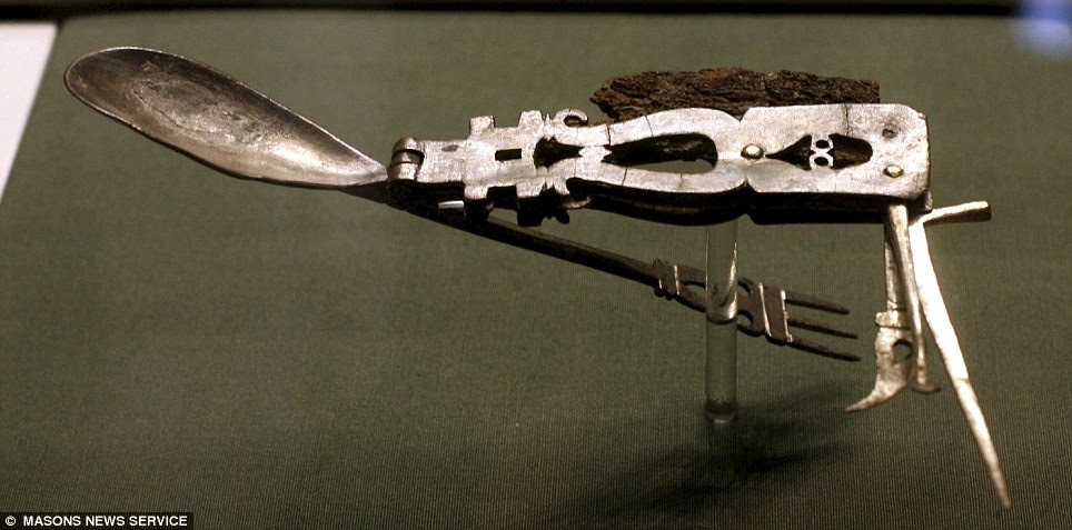 RomanArmyKnife02